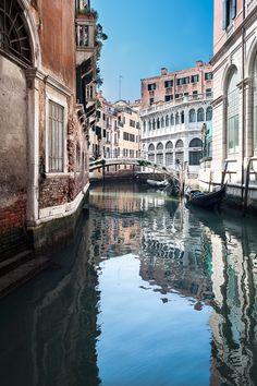 """500px / Photo """"canale e la riflessione""""Venice  by Mathieu de Lorgeril"""