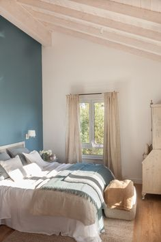 Dale color a una pared Sleep Dream, Decoration, Beach House, Curtains, Furniture, Home Decor, Ideas Geniales, Merida, Bedrooms