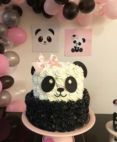 Bolo Panda 🐼#petitpapeterie #personalizados #papelariadefesta #papelariapersonalizada #papelariamoderna #tendencias2018 #festapanda…