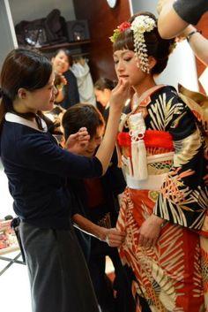 それいゆ Japanese Wedding, Japanese Characters, Wedding Images, Wedding Ideas, Kimono Fashion, Japanese Fashion, Lana, Wedding Hairstyles, Dream Wedding