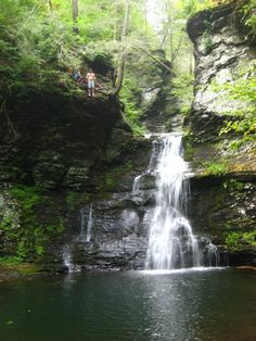 Four Beautiful Eastern Pennsylvania Waterfall Hikes