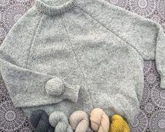 Erfingjapeysan, prjónuð úr Highland garninu frá Harrisville designs. Liturinn heitir Silver Mist. Sweatshirts, Sweaters, Fashion, Moda, Fashion Styles, Trainers, Sweater, Sweatshirt, Fashion Illustrations