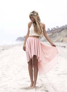 High low skirt in powder.. this is sooo amazinly cute for summer!