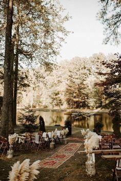 Wedding Goals, Wedding Themes, Wedding Planning, Lake Wedding Ideas, Best Wedding Ideas, Hippie Wedding Decorations, Wedding Ceremony Decorations, Decor Wedding, Wedding Dresses