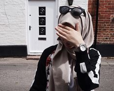 Fashion 2019 New Moda Style - fashion Modest Fashion Hijab, Modern Hijab Fashion, Hijab Chic, Muslim Fashion, Hijabi Girl, Girl Hijab, Hijab Outfit, Muslim Girls, Muslim Women