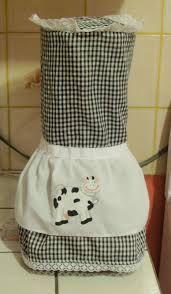 Resultado de imagen para manualidades funda para licuadora Small Sewing Projects, Sewing Crafts, Crochet Home Decor, Kitchen Sets, Kitchen Things, Kitchen Decor, Mug Rugs, Dish Towels, Couture