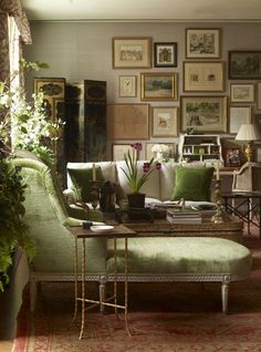 Why You Should be Afraid of Eclectic Gallery Art Walls - Loving the Gallery Wall + furnishings…it has such an earthy feel even though its so sophisticated - Home Interior, Interior Decorating, Interior Design, Decorating Tips, Design Art, Design Ideas, Room Inspiration, Interior Inspiration, Home Decoracion