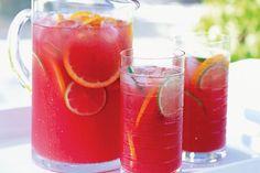 Quítate el calor durante esta temporada con las sabrosas y refrescantes bebidas frías de esta colección.