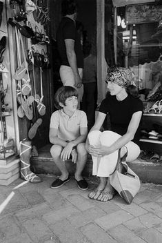 66888068d9c9 Jackie and John on holiday in Capri 1960 s   Prima Darling Jacqueline  Kennedy Onassis, Turbans