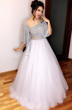 Snow White Look Indo-Western Lehenga Set Indian Wedding Gowns, Indian Gowns Dresses, Evening Dresses, Wedding Dresses, Lehenga Choli Designs, Party Wear Lehenga, Party Wear Dresses, Indian Designer Outfits, Designer Dresses
