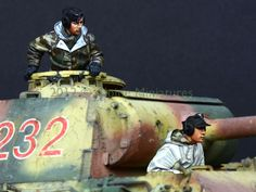 Panther Crew in 1/35 scale, now back in stock! Click on the pic for more details