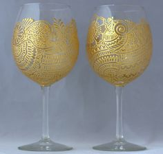 Henna design Hand-painted Wine glasses Set of 2