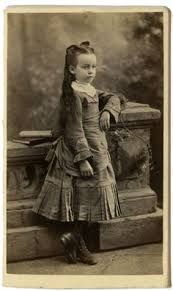 Resultado de imagen de niña victoriana
