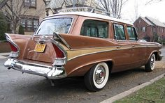 Very rare 1958 Packard Station Wagon sometimes called a 'Packardbaker' because of the merge between Studebaker and Packard. One of the last Packards built Station Wagons For Sale, Station Wagon Cars, Vintage Cars, Antique Cars, Retro Cars, Automobile, Us Cars, Sport Cars, Panzer