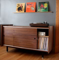 Storing your record collection and turntable setup can be quite a challange. Here are few ideas on how to store your vinyl. Vinyl Record Storage, Lp Storage, Storage Ideas, Turntable Setup, Record Cabinet, Record Shelf, Audio Room, Mid Century Furniture, Furniture Design