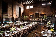 O custo de um mini wedding em restaurantes é bem menor. E é claro que o serviço fica perfeito, pois acaba sendo totalmente exclusivo. Esse é um tipo de opção para quem busca praticidade, uma vez que o restaurante fica responsável por quase tudo.