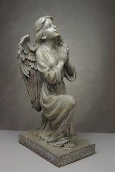 Piękna, duża figura przedstawiająca klęczacego anioła /  Moody Figure Kneeling Angel Greek, Statue, Art, Art Background, Kunst, Performing Arts, Greece, Sculptures, Sculpture