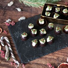 Looking for the perfect Christmas gift for a foodie? These Christmas Pudding Chocolate Truffles are a great choice, with their festive design and delicious flavour. Chocolate Christmas Gifts, Christmas Food Gifts, Perfect Christmas Gifts, Christmas Ideas, Christmas Crafts, Christmas Decorations, Chocolate Treats, Chocolate Truffles, Christmas 2019