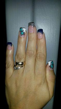 Pintura de uñas con mariposa                                                                                                                                                     Más Spring Nails, Summer Nails, Manicure, Easy Nail Art, Short Nails, Nail Arts, Nail Art Designs, Tattoos, Ideas