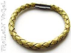 Leder-Armband,geflochten,gelb,+Magnet+von+Frollein+Vogel´s+Werkstatt+auf+DaWanda.com
