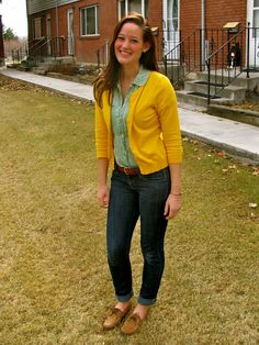 sperrys and yellow cardigan! Love the simplicity of this outfit