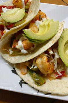 These air fryer shrimp fajitas are a quick and easy air fryer recipe! Cook the air fryer shrimp dish using fajita seasoning, bell pepper, and onion. If you love Mexican food, you will love cooking this shrimp recipe for lunch or dinner!