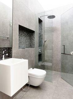 Kleine Strak Afgewerkte Badkamer