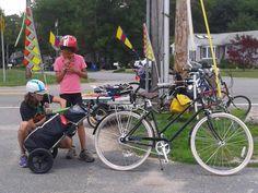 Shelly putting the Travoy to work. #burley #bike #travoy