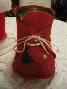 Coffee Can Christmas Boot - similar to one my grandmother used to make to put Christmas cards in-
