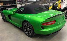 Prefix Viper Roadster amazing in every color – automotive99.com Maserati, Bugatti, Ferrari, Mopar Or No Car, Dodge Viper, Prefixes, Maybach, Us Cars, Koenigsegg