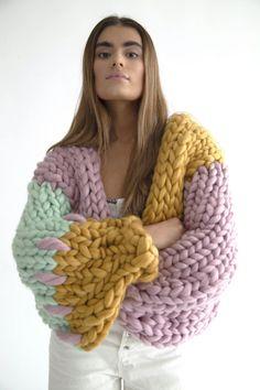 Chunky Knitwear, Chunky Knit Cardigan, Chunky Wool, Vogue Knitting, Free Knitting, Irish Fashion, Vintage Crochet Patterns, Yarn Sizes, Knitted Coat