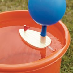A cute little wooden boat that is easy to use and powered by their own hot air. Ideal for use in the bath, the pool or the paddling pool.