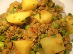 Keema (Potato and Mince Curry). We make this all the time. replace the ground beef with chicken or turkey.Aloo Keema (Potato and Mince Curry). We make this all the time. replace the ground beef with chicken or turkey. Keema Recipes, Curry Recipes, Meat Recipes, Indian Food Recipes, Asian Recipes, Vegetarian Recipes, Cooking Recipes, Healthy Recipes, Copycat Recipes