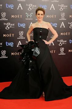 The Spell Of Fashion: Premios Goya -Red Carpet-  http://themariopersonalshopper.blogspot.com.es/2014/02/premios-goya-red-carpet.html