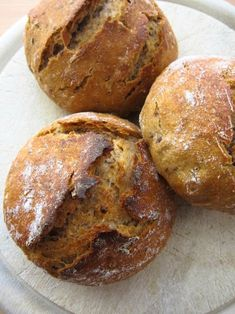 crispy bread rolls with sourdough - Pan Bread, Bread Baking, Homemade Buns, Vegan Casserole, Pastry Cake, Sourdough Bread, Artisan Bread, Bread Rolls, No Bake Cake