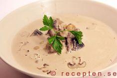 Champinjonsoppa - Gott och enkelt recept på Champinjonsoppa som får sin goda smak från färska champinjoner.