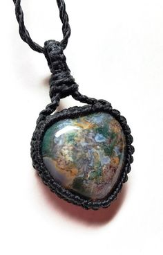 Crazy Lace Agate macramé necklace. Beautiful heart necklace full of gorgeous spring colors, its truly a happy stone!! A happy heart for