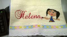Toalhinha de nome Helena e desenho da personagem Luna.