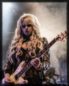 Orianthi the best guitar player ever
