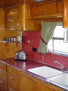 1951 Spartan Trailer restoration created significant woodworking challenges Vintage Campers Trailers, Retro Campers, Vintage Caravans, Camper Trailers, Airstream Interior, Trailer Interior, Spartan Trailer, Vintage Rv, Vintage Airstream