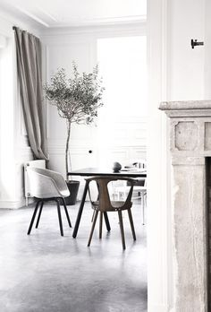 Beautiful concrete floors in the home of Danish architect Jonas Bjerre-Poulsen, co-founder of Norm Architects - via Stylejuicer Dining Room Inspiration, Interior Design Inspiration, Interior Exterior, Interior Architecture, Concrete Interiors, Grey Interiors, Design Interiors, Interior Minimalista, Style At Home