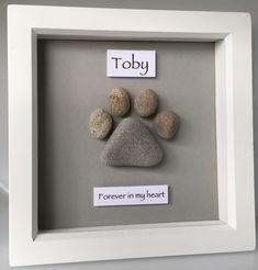 The Paw Print bespoke pebble art can be personalised to suit your requirements. … The Paw Print bespoke pebble art can be personalised to suit your requirements. Great addition to a pet owners home or beautiful gift for a dog or cat lover Stone Crafts, Rock Crafts, Arts And Crafts, Heart Crafts, Pebble Painting, Stone Painting, Paw Print Art, Paw Print Crafts, Pebble Art Family