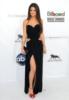 don't like the shoes but the dress is amazing.