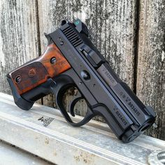 Airsoft hub is a social network that connects people with a passion for airsoft. Talk about the latest airsoft guns, tactical gear or simply share with others on this network Weapons Guns, Guns And Ammo, Airsoft Guns, Rifles, Shooting Guns, Custom Guns, Fire Powers, Military Guns, Cool Guns