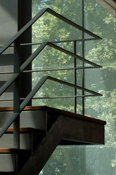 Image 30 of 54 from gallery of Ponte de Lima Municipal Market / Guedes Cruz Arquitectos. Courtesy of Guedes Cruz Arquitectos Staircase Railing Design, Staircase Handrail, Railing Ideas, Banisters, Decking Ideas, Steel Stairs, Stair Detail, Modern Stairs, Basement Stairs