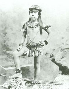 Brazil, 1882 Indigenous child of Mato Grosso Old Pictures, Old Photos, Vintage Photos, History Of Photography, Vintage Photography, South American History, Brazilian People, Ecuador, Peru