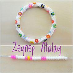 making beaded bracelets Crochet Rings, Crochet Beaded Bracelets, Bead Crochet Rope, Bead Loom Bracelets, Beaded Bracelet Patterns, Silver Bracelets, Bead Crochet Patterns, Beading Patterns, Bead Jewellery