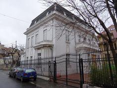 Discover the world through photos. Bucharest, Romania, Louvre, Explore, World, Building, Anna, Houses, Travel