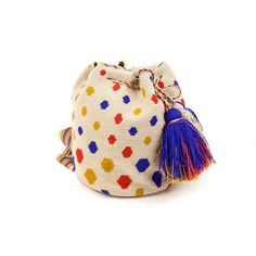 Bolso Wayuu Grande Crochet Crafts, Knit Crochet, Mochila Crochet, Tapestry Crochet Patterns, Tapestry Bag, Knitted Bags, Bucket Bag, Coin Purse, Handbags