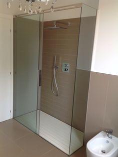 #Boxdoccia #scorrevole precisamente perfetto by #SILVERPLAT Home And Living, Interior Inspiration, Toilet, Bathtub, Interior Design, Mirror, Furniture, Bathrooms, Home Decor